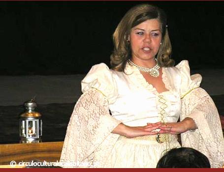"""""""Domingo Há Teatro para Crianças"""""""