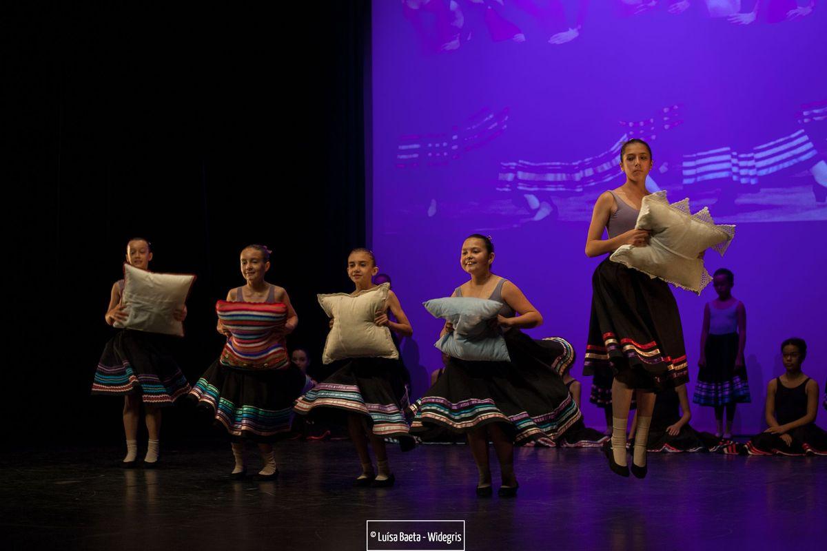 ensaio e espectáculo – turmas de ballet CCS no Teatro Sá da Bandeira